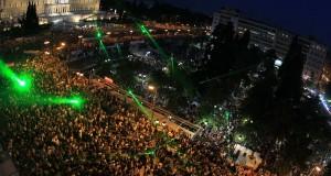 Ιστορικό δημοψήφισμα: Μέρα «ανεξαρτησίας» για την Ελλάδα η 5η Ιουλίου
