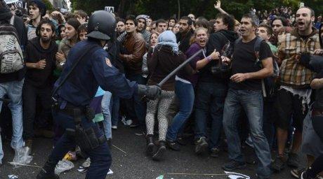 Πλαστικές σφαίρες κατά διαδηλωτών στη Μαδρίτη