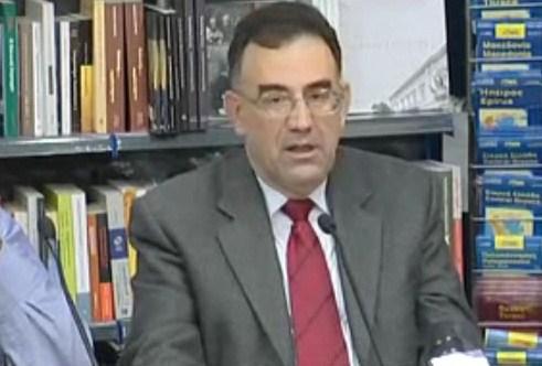 Γ. Δελαστίκ: Πώς το μνημόνιο μας βουλιάζει στα χρέη