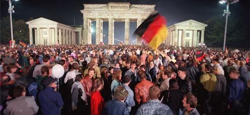 Σπίγκελ: Γιατί η ένωση της Γερμανίας ήταν λάθος
