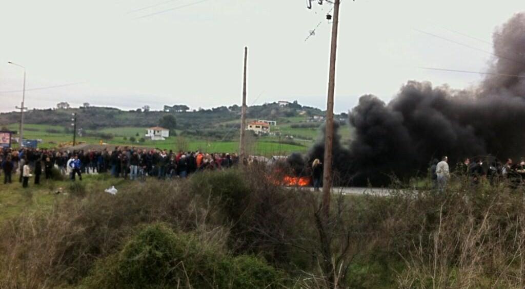Εμπόλεμη ζώνη η Ιερισσός! Καταγγελίες για δακρυγόνα σε σχολεία