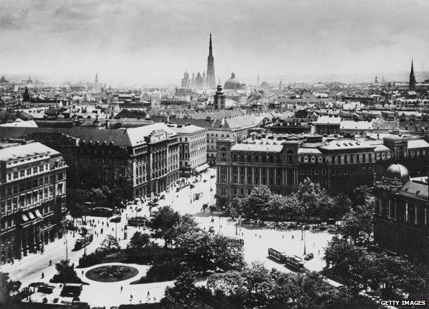 Βιέννη 1913: Χίτλερ, Τρότσκι, Τίτο, Φρόιντ και Στάλιν όλοι μαζί!