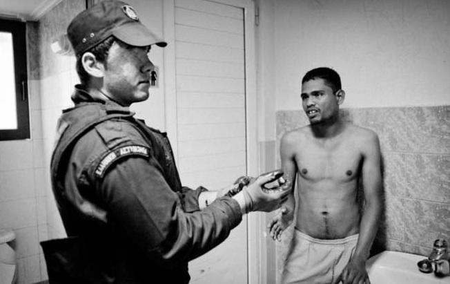 Αστυνομικό Τμήμα Νέας Μάκρης: «Για τον Πακιστανό μας φώναξες;»