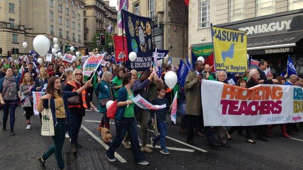 Απεργία καθηγητών στη Βρετανία: ίδιο παντού το θράσος της εξουσίας