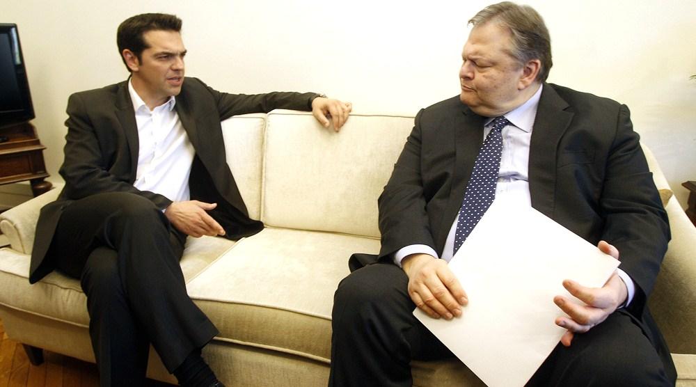 Αυγή: «Το πρόβλημα πασοκοποίησης του ΣΥΡΙΖΑ δεν είναι αμελητέο»