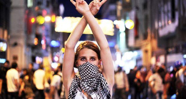 8 Μάρτη: Ελπιδοφόρες, όσο και αντιφατικές αντιστάσεις