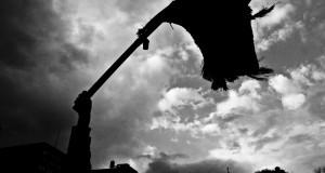 «Θα βάλουμε μπροστά την μαύρη και την κόκκινη σημαία»:Τελευταίος αποχαιρετισμός στον Βασίλη Καραπλή