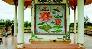 Όταν τα άνθη του λωτού κρύβουν μια σφαγή. Μια ιστορία από το Βιετνάμ