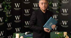 Ο Καζούο Ισιγκούρο και τα «απομεινάρια» ενός Νόμπελ Λογοτεχνίας